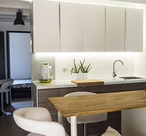 <span>Rénovation complète petite maison 36m²</span><i>→</i>